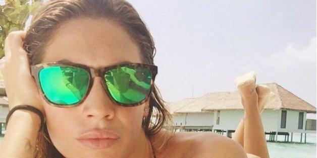 Melissa Satta, die Model-Freundin von Fußballer Boateng, ist ein echter Hingucker am Strand.