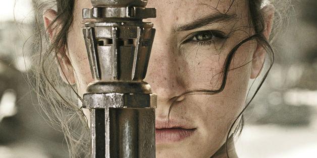 '스타워즈 : 깨어난 포스'의 레이는 기념비적인 여성 캐릭터다