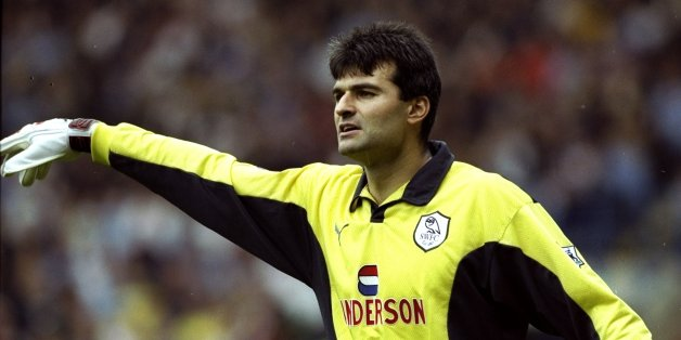 16 Oct 1999:  Goalkeeper Pavel Srnicek of Sheffield Wednesday during the FA Carling Premiership match against Leeds United at Elland Road in Leeds, England. Leeds won the match 2 - 0. \ Mandatory Credit: Michael Steele /Allsport