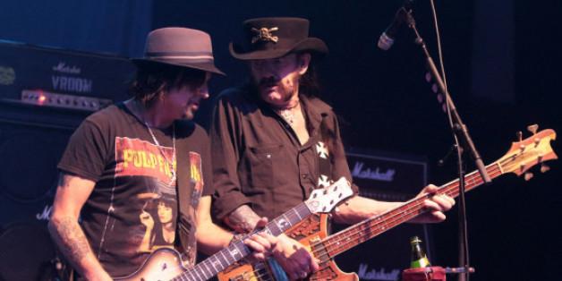 Motörhead hören auf: Der verstorbene Lemmy Kilmister (re.) und sein Bandkollege Phil Campbell auf der Bühne