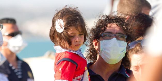 Ärzte ohne Grenzen prangern die schlechten Bedingungen in den Aufnahmezentren auf Sizilien an.