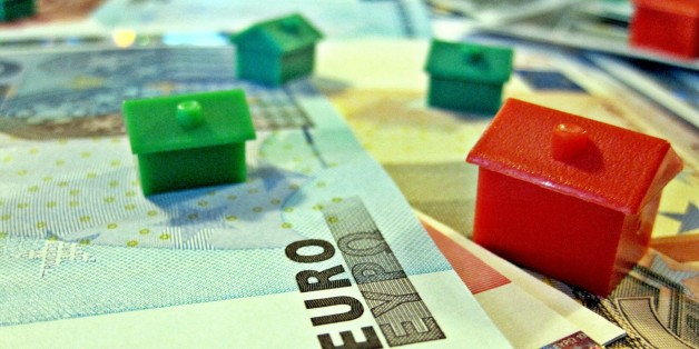 """Euro currency and houses.Like much of our work, we have put all these images in the public domain. Feel free to use them but please credit out site as the source if you do: <a href=""""http://TaxRebate.org.uk"""" rel=""""nofollow"""">TaxRebate.org.uk</a>"""