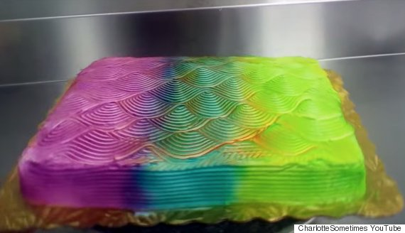 colour changing cake