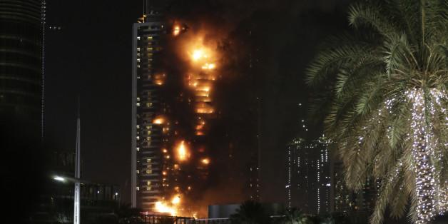 Das Luxus-Hochhause The Address Downtown steht in Flammen