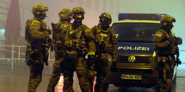Polizisten in München. Foto: Getty.
