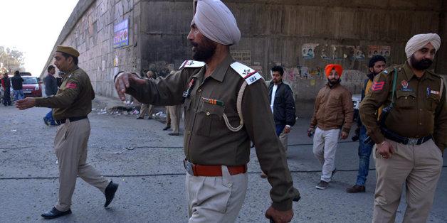 Inde: Attaque d'islamistes présumés contre une base aérienne indienne proche du Pakistan