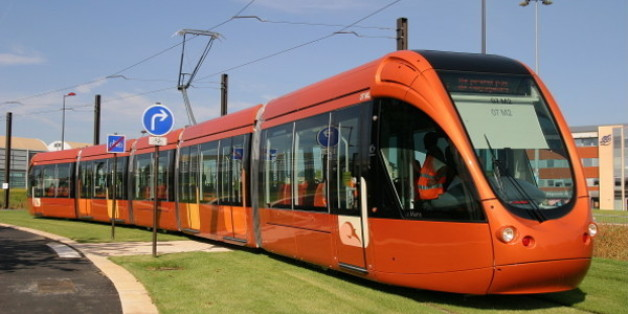"""Un """"tram-bus"""" à Marrakech pour désengorger le trafic."""