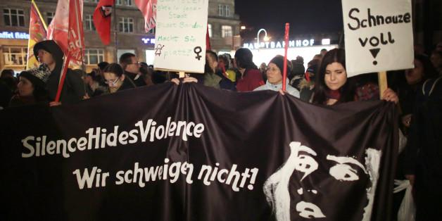 Die Demo gegen Gewalt an Frauen in Köln verlief am Dienstag friedlich.
