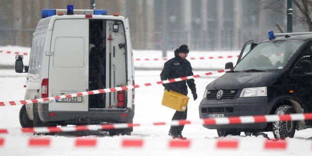 Verdacht auf Sprengstoff: Kanzleramt abgeriegelt