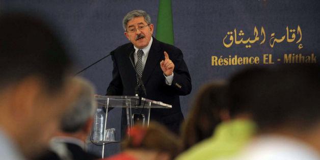 Ahmed Ouyahia présente le projet de révision constitutionnelle, le 5 janvier 2016