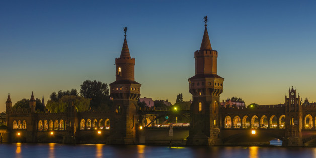 Oberbaum Bridge at dusk in Berlin, Germany.