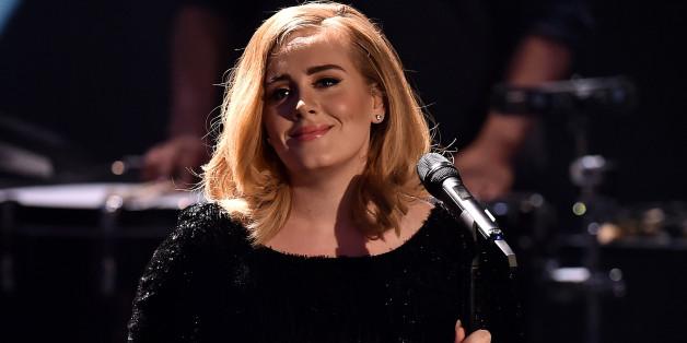 """Adele bei dem RTL-Jahresrückblick """"Menschen, Bilder, Emotionen"""" 2015 in Köln"""