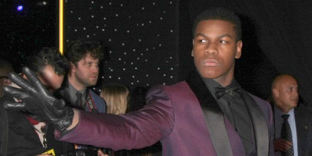 """John Boyega verspricht einen düstereren """"Star Wars 8"""""""