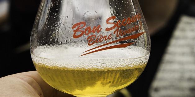 """Europe Europa Belgique België Belgien Belgium Belgica Bruxelles Brussel Brüssel Brussels Bruxelas Grand-Place - Groote Makt Fête de la Bière - Bierfeest  Samedi 7 et dimanche 8 septembre 2013   Une ambiance du tonnerre pour cette fête de la bière. Je ne les ai pas toutes goûtées, très loin de là, mais j'ai eu un coup de coeur pour les bières artisanales de qualité de la Brasserie Caulier (en particulier pour la blonde &quot;Bon Secours ! Bière vivante&quot;  :  <a href=""""http://www.brasseriecaulier.com"""" rel=""""nofollow"""">www.brasseriecaulier.com</a>  rue de Sondeville, 134 7600 Péruwelz Belgique +32 69 36 26 10  Si vous êtes intéressé, vous pouvez contacter Vincent Caulier (Managing Director)  +32 496 120 293 vincent.caulier@brasseriecaulier.com"""