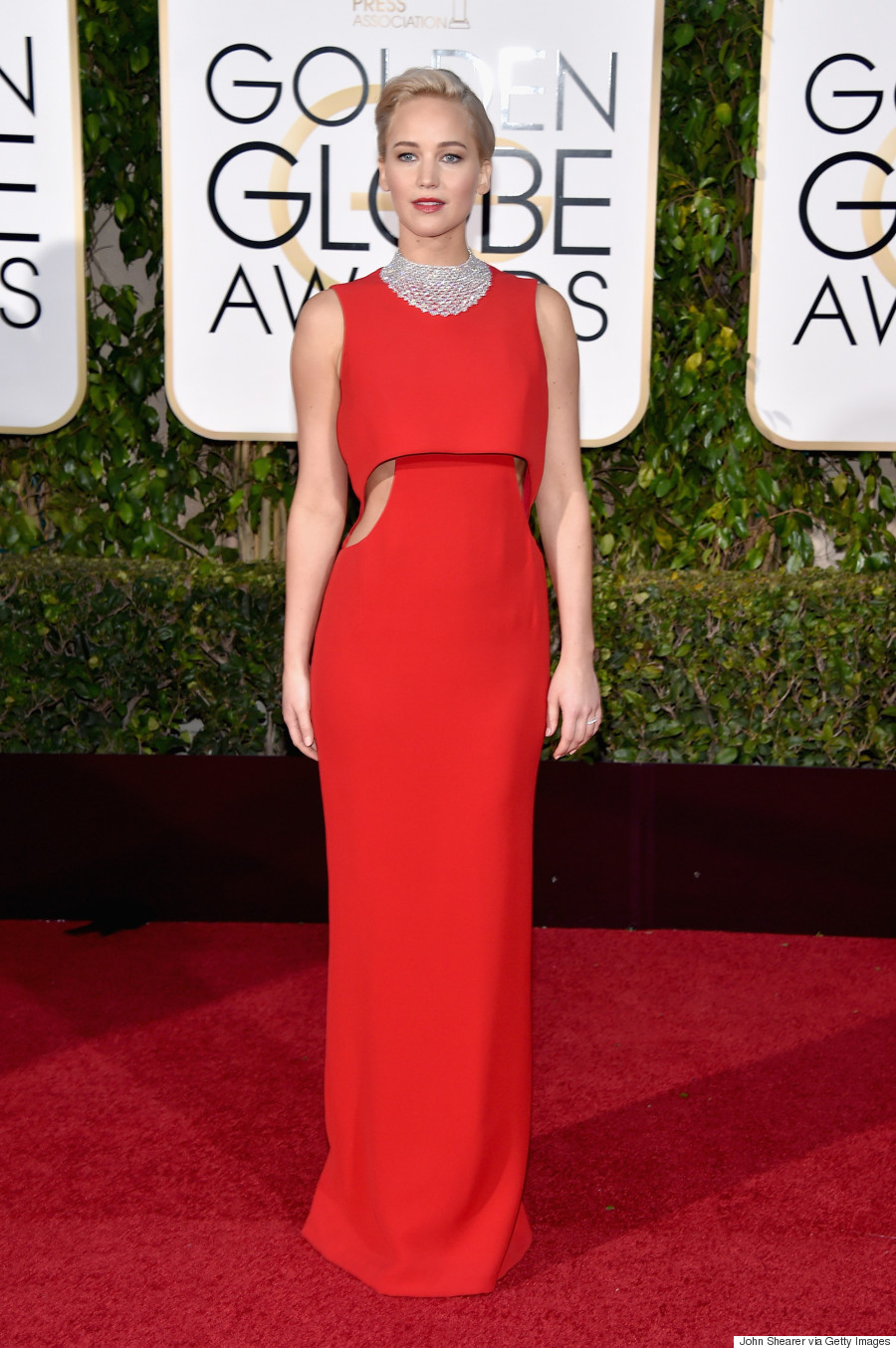 Jennifer Lawrence Dazzles At 2016 Golden Globes In Dior