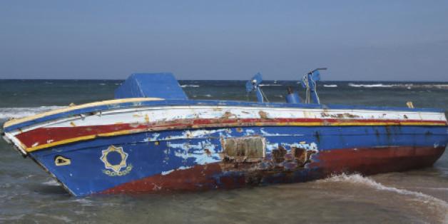 Gestrandetes Boot vor Nordafrika. Foto: Getty.