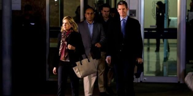 Cristina de Bourbon et  son mari, Inaki Urdangarin, quittent un tribunal à Palma de Majorque en Espagne, le 11 janvier 2015