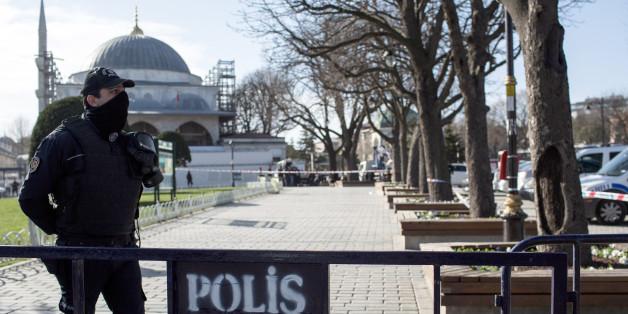 Nach dem Anschlag in Istanbul wurde der Platz weiträumig abgesperrt.