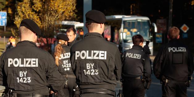 Die Bundespolizei weist jeden Tag Hunderte Flüchtlinge zurück