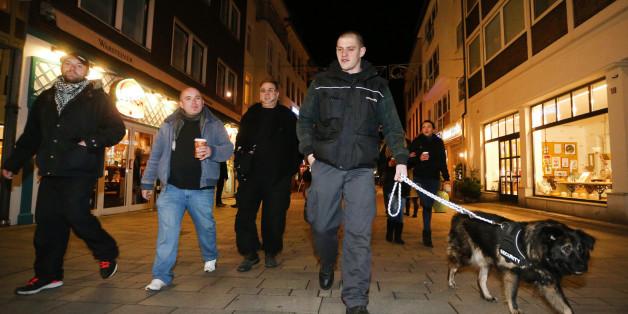 Tausende Menschen haben sich in Deutschland Initiativen für Bürgerwehren angeschlossen
