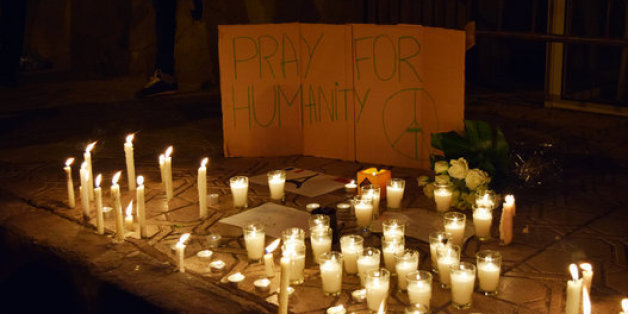 Sit-in de solidarité avec la France à Casablanca après les attentats de Paris