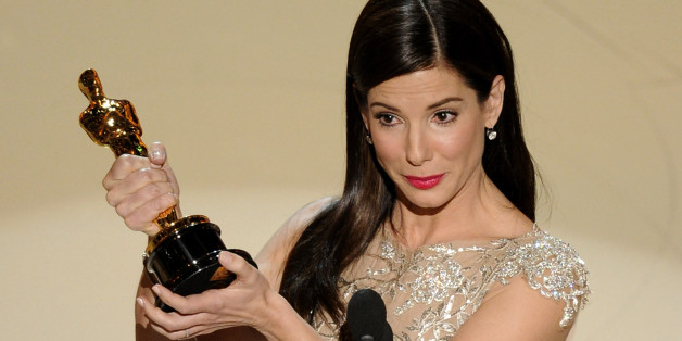https://s-i.huffpost.com/gen/3891246/images/n-SANDRA-BULLOCK-OSCAR-THE-BLIND-SIDE-628x314.jpg