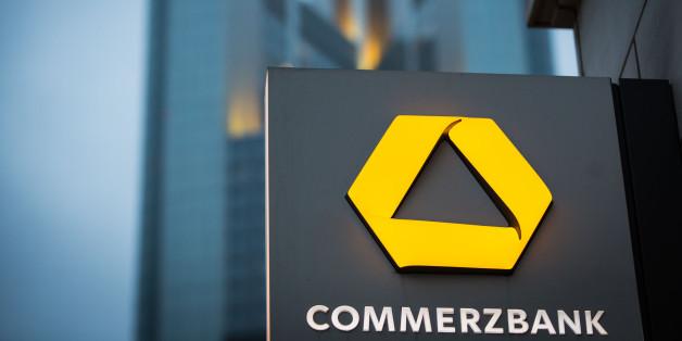 Commerzbank: 15.000 Kunden müssen ihre Kreditkarten austauschen lassen.