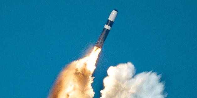 Eine Trident-Rakte wird von einem britischen U-Boot abgeschossen