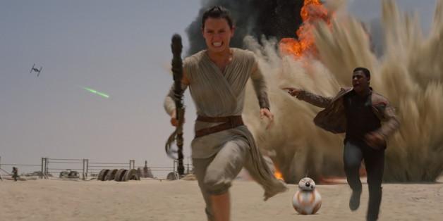 """Rey, der Droide BB-8 und Finn in """"Star Wars: Das Erwachen der Macht"""""""