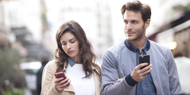 Man muss auch in der Beziehung nicht immer Texten. Ein Gespräch ist meistens viel eindeutiger.