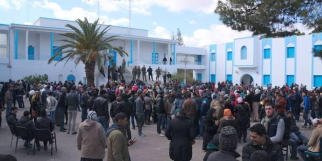 Kasserine, le 23 janvier devant le gouvernerat