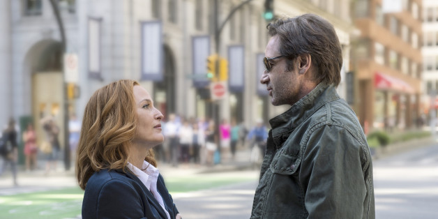 """""""X-Files"""" s10e01: le retour de Mulder et Scully en 2016 ne plaira qu'aux plus grands fans (et c'est bien dommage)"""