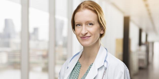 Mit einem Callcenter sollen Kassenpatienten schneller zu einem Facharzt-Termin kommen.