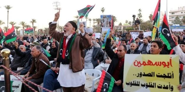 Manifestation à Tripoli, le 8 janvier 2016, contre l'accord parrainé par l'ONU pour la formation d'un gouvernement d'unité nationale