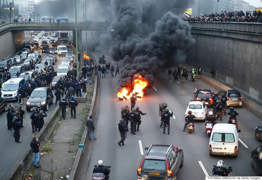 paris taxi protest
