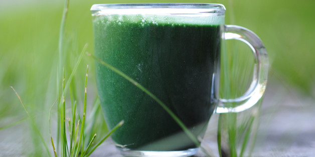 Superfood Spirulina als grüner Smoothie