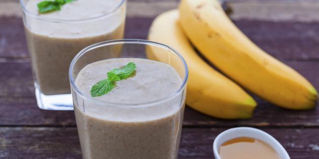 Maca-Smoothie mit Bananen, Honig und Chia-Samen