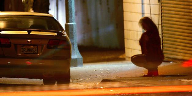 Im kleinen Örtchen Gellep-Stratum sorgen Prostituierte für Aufruhr.