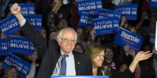 Bernie Sanders, bien ancré à gauche, a accroché Hillary Clinton dans l'Iowa