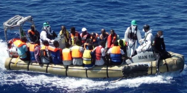 La Marine royale intervient pour stopper 12 immigrés clandestins qui voulaient rejoindre l'Espagne