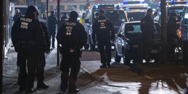 Die Polizei war in den frühen Morgenstunden mit Hunderten Polizisten im Einsatz
