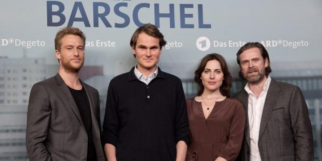 """Die Schauspieler Alexander Fehling (von links), Fabian Hinrichs, Antje Traue und Matthias Matschke bei der Premiere des TV-Films """"Der Fall Barschel"""""""