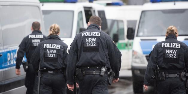 Die Polizei hat mehrere Verdächtige festgenommen, die einen Anschlag geplant haben so