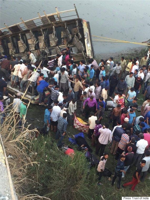 gujarat bus crash
