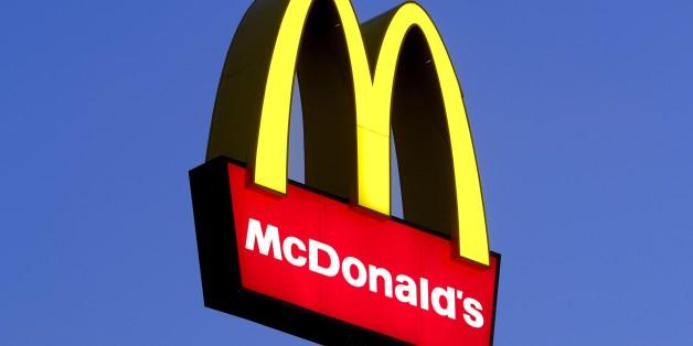 (GERMANY OUT) Deutschland - Logo von McDonalds (Photo by Unkel/ullstein bild via Getty Images)