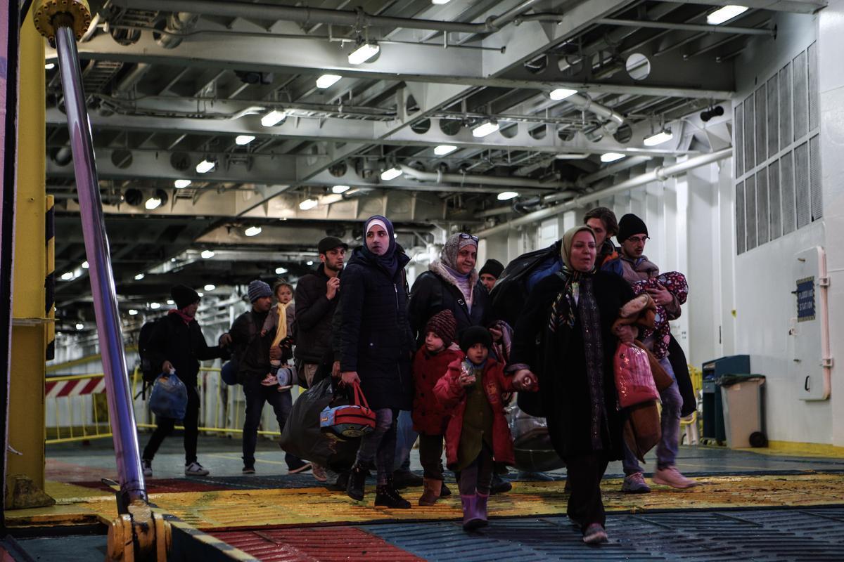 refugees port