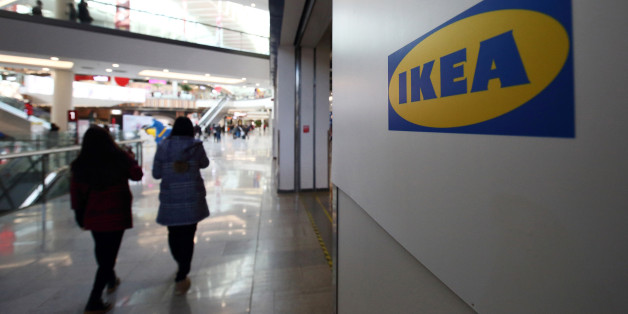 Beim Ikea-Einkauf sucht ein Paar Streit - und legt sich mit den Falschen an