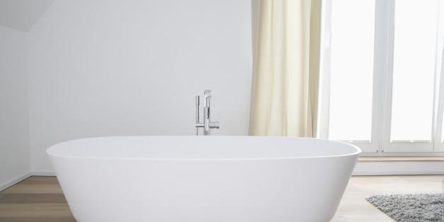 Germany, Cologne, bath tub