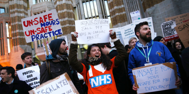 unior doctors protest outside the Department of Health at the Government's intention to impose new contracts on them