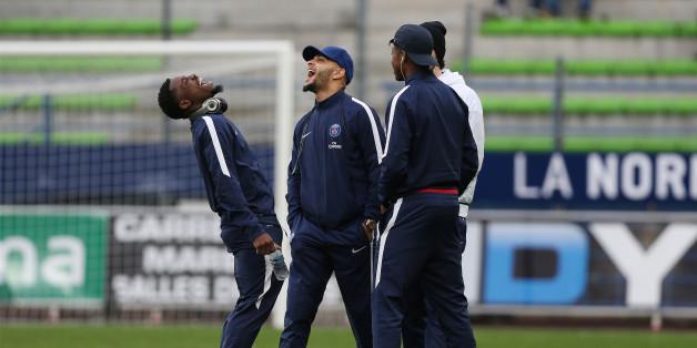 Derrière l'affaire Aurier, la relation compliquée entre footballeurs et réseaux sociaux
